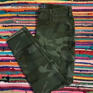 AF Cameo Boyfriend Jeans